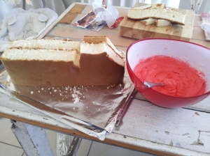 The carved cake.